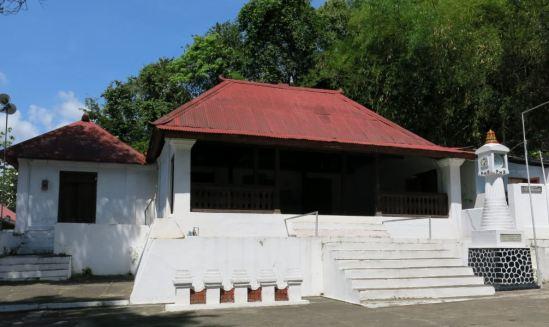 Masjid Pajimatan di komplek makam raja-raja Mataram Islam di Imogiri